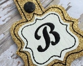 Gold Glittery Pleather Quatrefoil initial Keyring - personalized keyring -Bag Tag Luggage ID bridesmaid gift ideas - planner accessory