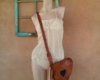 Vintage 1970s Leather Purse CrossBody Boho Hippie Bag 201539
