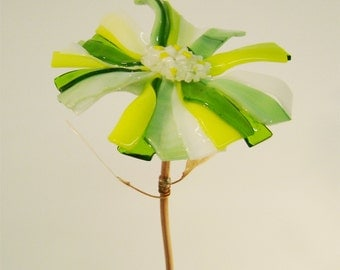 Garden Stake Glass Flower in Yellow and Spring Green