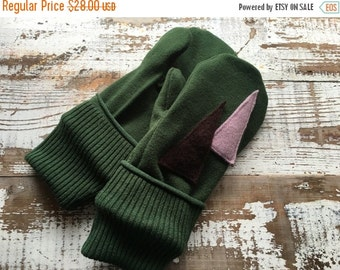40% FLASH SALE- Wool Blend Mittens- Christmas Tree-Upcycled Clothing-Green and Purple