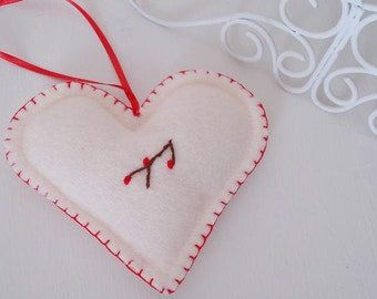 Set of 2 Scandinavian wool Christmas heart decorations - Holidays
