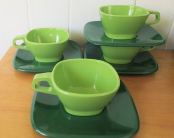 vintage lime green melmac cups n saucers Talk of the Town