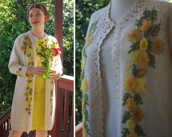 FLOWER Burst 1950's 60's Vintage Extra Long Cream + Yellow Wool Acrylic Cardigan Sweater w/ Floral Embroidery // size Medium // SPRING Fling