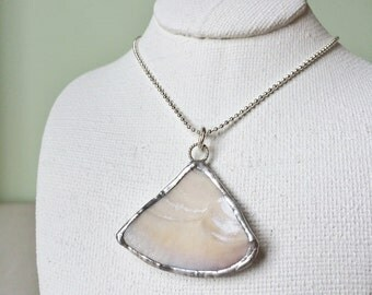 Necklace - Shell pendant 014