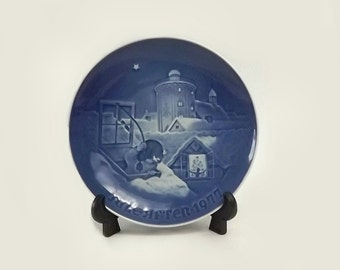 1977 Copenhagen Christmas Collector Plate, Bing and Grondahl Limited Edition, Cobalt Blue