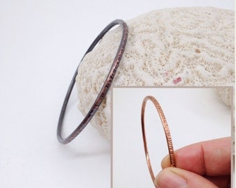 Rustic Textured Narrow Copper Bangle - Bright or Patina'd, Size S to XL - Bohemian Stacking Bracelet - Boho Chic - Hammered Bracelet