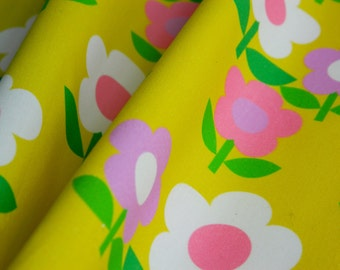 Retro 1960s Florals Collections Flower Trio on Yellow - Fat Quarter 55cm x 50cm