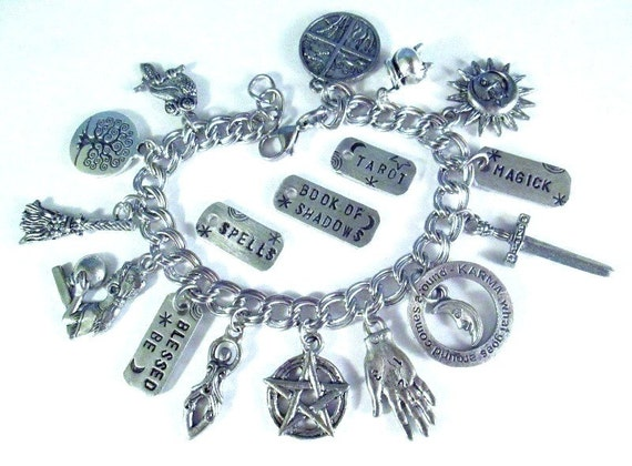 Magick Spells Charm Bracelet Psychic Protection Pentacle Altar Goddess Karma Witch Fortune Teller Healing Crystal Ball Moon Star Blessed Be
