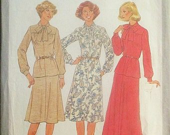 1970s Sewing Pattern Simplicity 8311 Misses Dress or Top & Skirt Pattern Size 12 Bust 34
