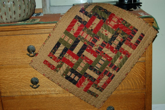 Christmas small quilt vintage country primitive table runner
