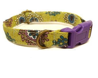 Queen Elizabeth - Green Vintage Floral Organic Cotton CAT Collar Breakaway Safety - All Antique Brass Hardware