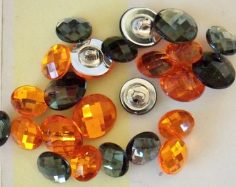 Plastic Buttons / Set of Twenty-Four / 12 mm and 15 mm / Orange and Black / Halloween