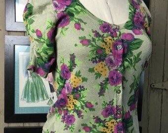 Sale Vintage cardigan floral cardigan puff sleeves size small medium rockabilly sweater green sweater