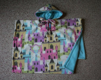 SALE Car seat Poncho reversible for Toddlers - Princess Castles and Carriages