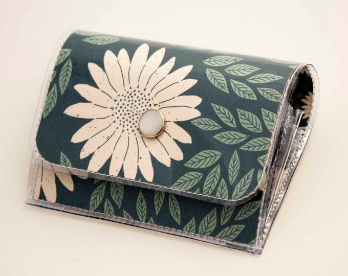 Handmade Vinyl Accordion Wallet - Daisy Blue / small wallet, snap, cute, card case, vinyl wallet, women's wallet, floral, daisies, gift