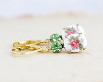 Coral Jewel Earrings - Vintage Wedding Earrings - Flower Cameo Earrings - Romantic Earrings - Vintage Cameo Earrings - Peridot Earrings