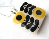 "Silver Plated 16"" Unusual Ladies Gift Present Orla Kiely inspired folk floral Scandinavian Yellow Retro Print Crafted Ceramic Resin Necklace"