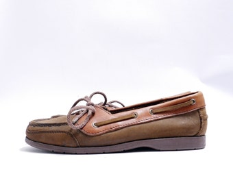 Size 7 - 7.5 // Vintage 80s Preppy Slip On Oxfords // Chocolate Brown Leather // 110