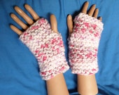 KNIT, Wristwarmers, fingerless gloves, chunky yarn, Serenity chunky Pink Candy