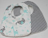Choose Set of 2 Bibs for a Burp Cloth and Bib In Giraffe Boy, Baby Shower Gift, New Mom Gift