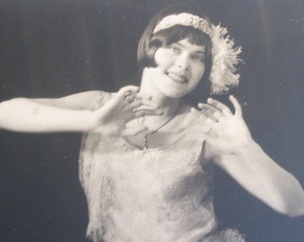 A Follies Girl...Wonderful Old 20s-30s Dancer Photograph