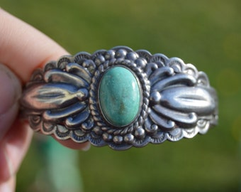 Vintage Fred Harvey Era turquoise repousse stamped cuff