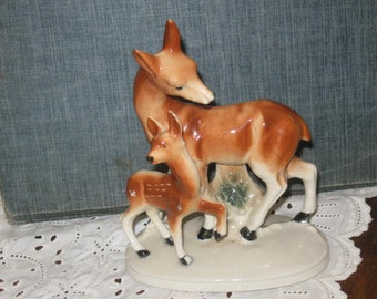 Vintage Doe and Fawn Statue - Deer Figurine