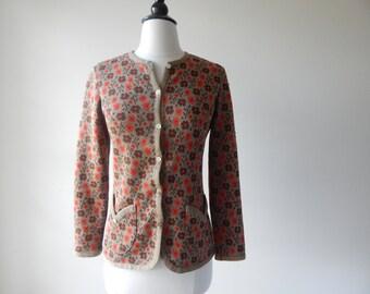 petite fleur cardigan •  60s floral cardigan • vintage 1960s sweater