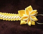 Double braid keychain with flower