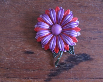Vintage 60s Lilac and Red Enameled Daisy Brooch/Pin