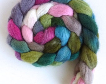 Finn Wool Roving - Hand Painted Spinning or Felting Fiber, Flowering Magnolia
