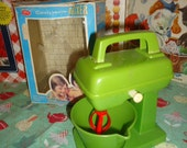Vintage Redbox Candy Home Plastic Green Child's Toy Hand Mixer with bowl and Box