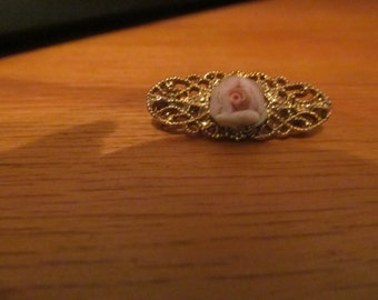 dainty rose brooch