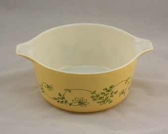 Shenandoah Pyrex Bake-Serve-Store Casserole Dish - Light Yellow with Green Flowers - Medium 1.5 Liters #474-B