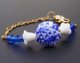 Lampwork Glass Bead Bracelet, Blue and White Bracelet, Tulip Flower Bracelet, Cobalt Delft Blue Jewelry