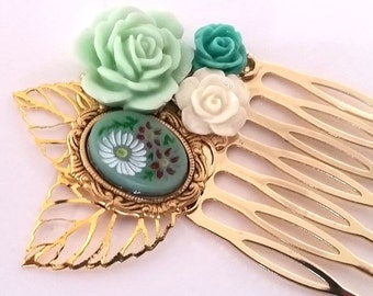 ON SALE Green Flower Cameo Small Cluster Hair Comb - Fascinator Kitschy Cool Offbeat Wedding Bride Rose Bird