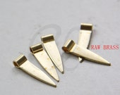 30pcs Raw Brass Triangle Charm - Arrow 4x6x30mm (3134C-F-607)