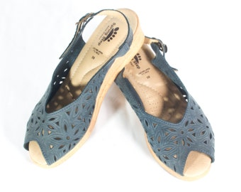 VTG 90's Teal Tooled Leather Wedge Sandals size 7 Womens Slingback Open Toe Platforms Pierce Work Cut Out Boho Heels Wedges Floral Geometric