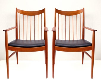 Pair of Arne Vodder Arm Dining Chairs by Sibast Mobler Danish Modern
