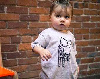 Toddler Shirt, Robot Hugging Octopus Shirt, Size 2T - 4T, Grey