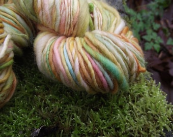 Handspun yarn, Handpainted yarn thick and thin Organic Polwarth merino yarn-Goldberry