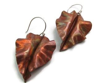 Fold Form Leaf Copper Earring - Curly Copper Earring Dangles - Autumn Leaves Earrings - Leaf-005