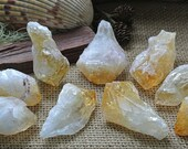 Citrine Crystal // RANDOM Citrine Point // Wicca Crystals // Metaphysical Tools // Prosperity // Crystals and Minerals //  Altar Stones