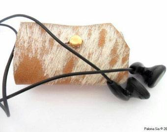 Guarda auriculares en cuero. Gard écouteurs en cuir. Organizer earburds. gec3
