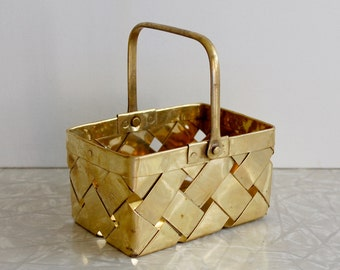 small brass basket, vintage brass basket, brass planter, small planter, made in India, mini basket, gold tone basket, desk or shelf decor