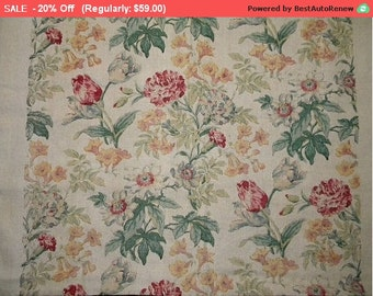 On SALE - Lovely Vintage Linen Fabric English Tulips