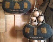 Primitive Pumpkins Set of 2 Halloween/Fall Tucks Ornies