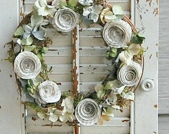 "12""  Dried Hydrangea and Paper Rose Wreath / Shabby Cottage Decor / Dried flower Wreath"