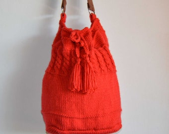 Knitted bucket bag drawstring bag large red cable shoulder bag chunky yarn with synthetic suede handle handmade