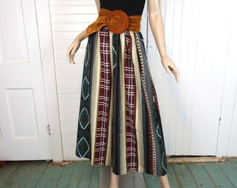 90s Palazzo Pants in Blanket Print- 1990s Wide Leg / Culottes- Forest Green & Burgundy- Medium / Large